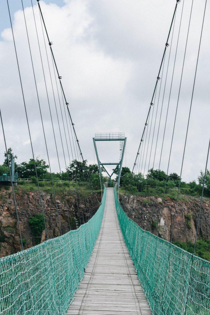 A precarious bridge to show how to feel safe